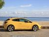 Opel_Astra_GTC_16