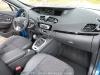 Renault_Scenic_2012_17