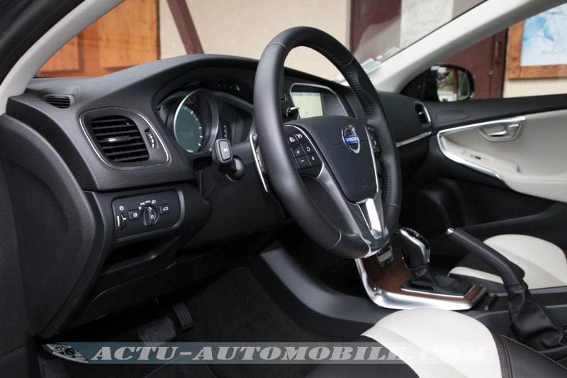 essai volvo v40 cross country d4 conclusion photos. Black Bedroom Furniture Sets. Home Design Ideas