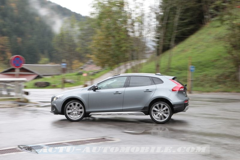 essai volvo v40 cross country d4 conclusion photos actu automobile. Black Bedroom Furniture Sets. Home Design Ideas