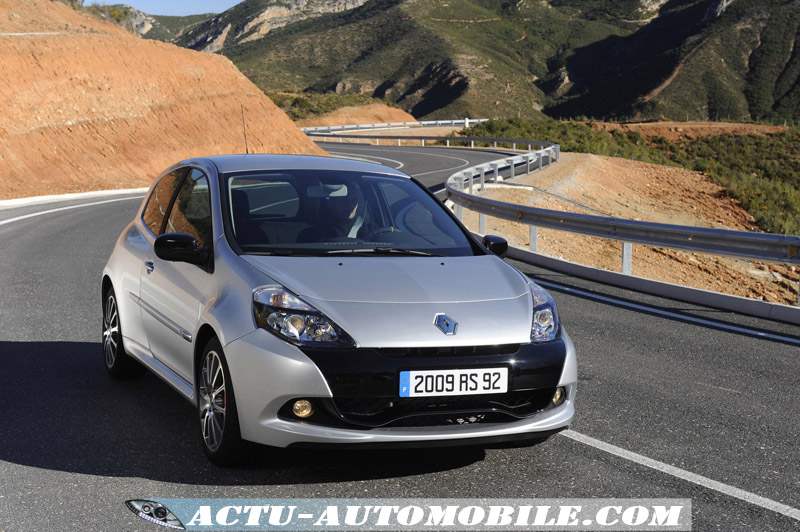 Renault-Clio-Renault-Sport-luxe
