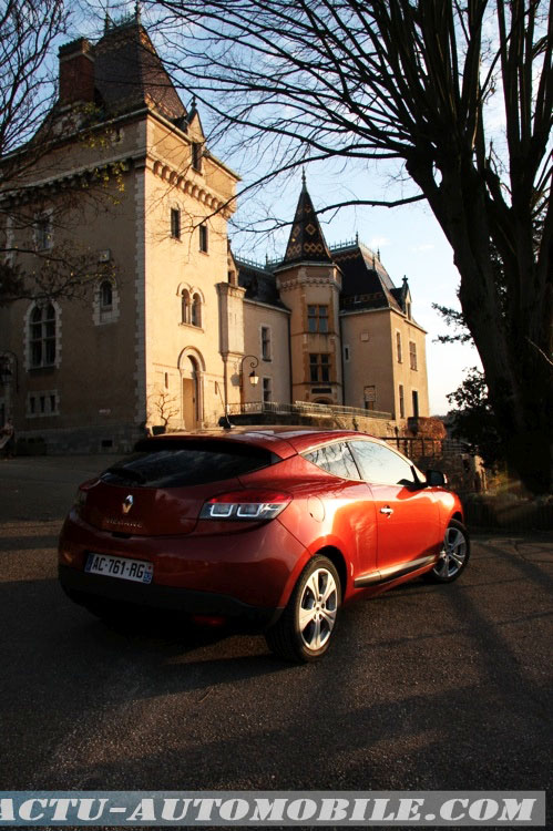 Renault_Megane_Coupe_dCi_160