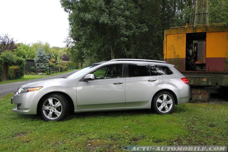 honda-accord-tourer-11