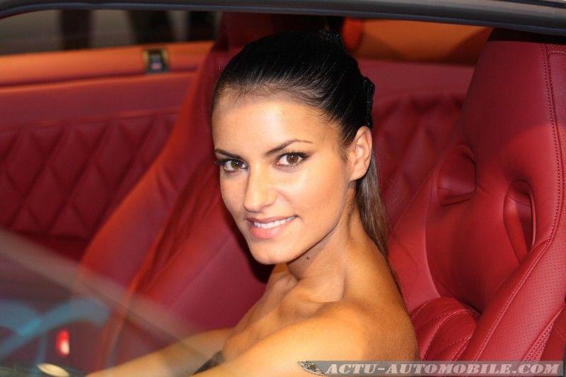 mondial-auto-2010-hotesses-04