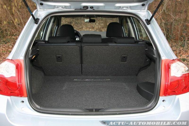 essai toyota auris hybride 2010 136 ch dynamic actu automobile. Black Bedroom Furniture Sets. Home Design Ideas