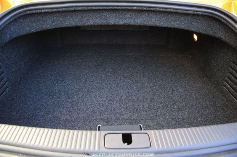 essai audi tts roadster 2 0 tfsi s tronic vie bord budget actu automobile actu automobile. Black Bedroom Furniture Sets. Home Design Ideas