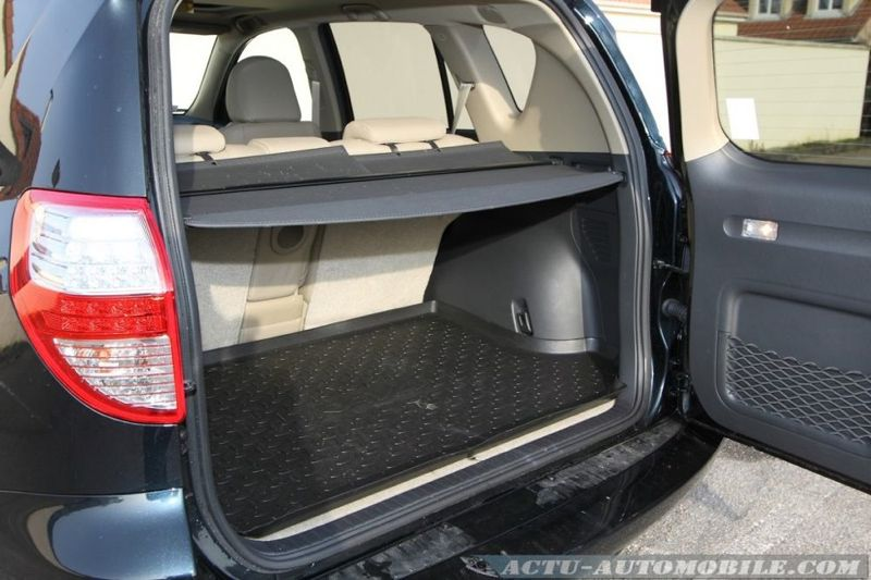 essai toyota rav4 2 2 d 4d 150 bva6 awd le pr curseur actu automobile. Black Bedroom Furniture Sets. Home Design Ideas
