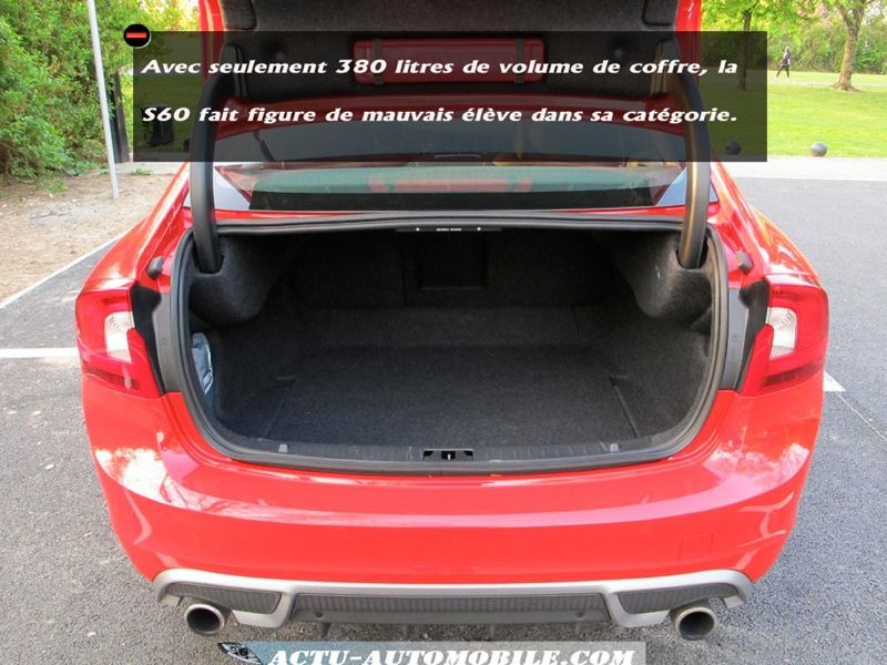volume coffre volvo s60 id e d 39 image de voiture. Black Bedroom Furniture Sets. Home Design Ideas