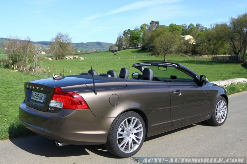essai volvo c70 d4 geartronic x nium le vrai coup cabriolet actu automobile. Black Bedroom Furniture Sets. Home Design Ideas