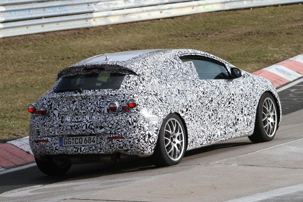 Opel_Astra_GTC_OPC