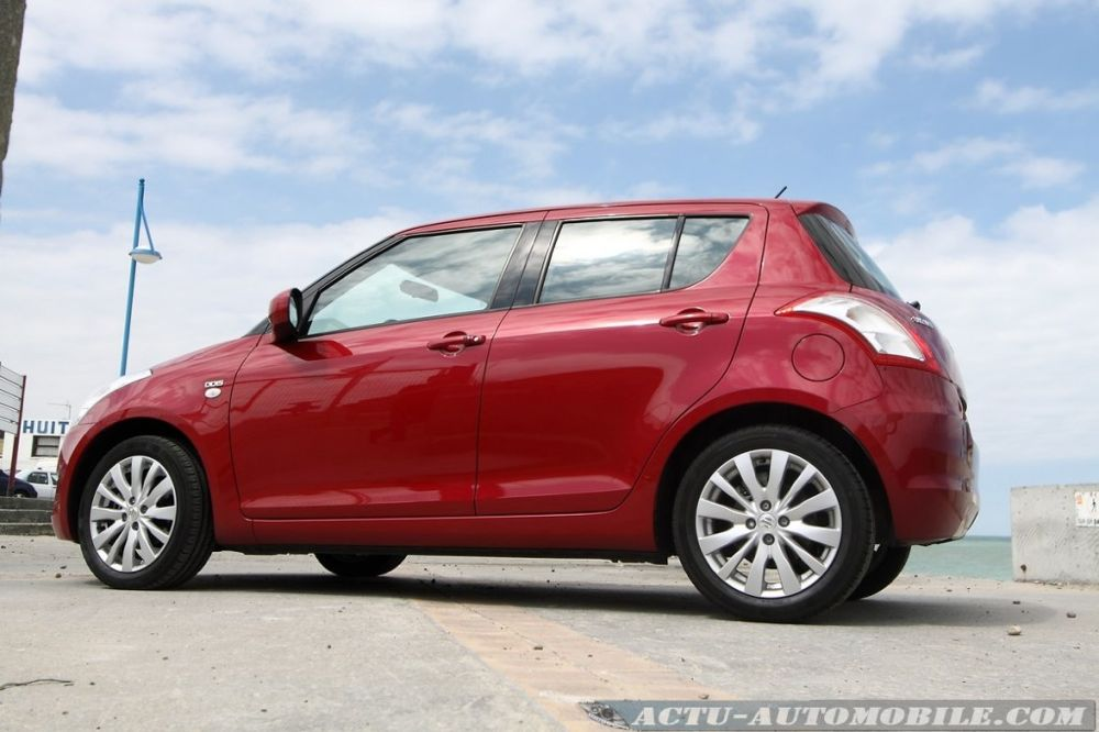 suzuki-swift-2011-13