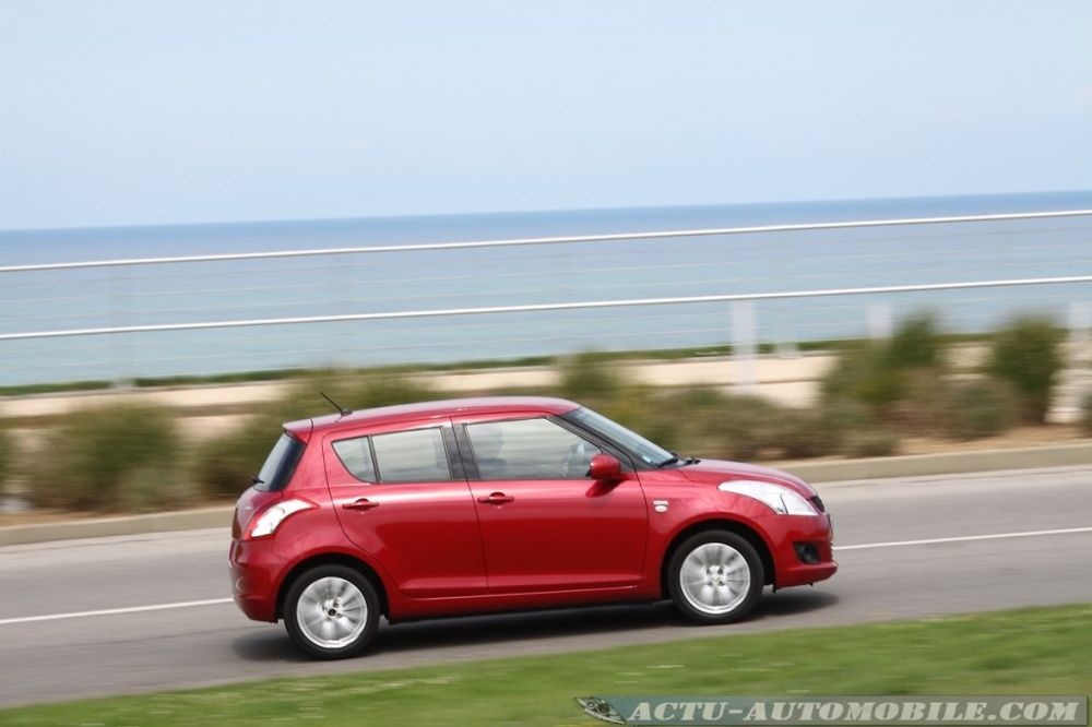 suzuki-swift-2011-19