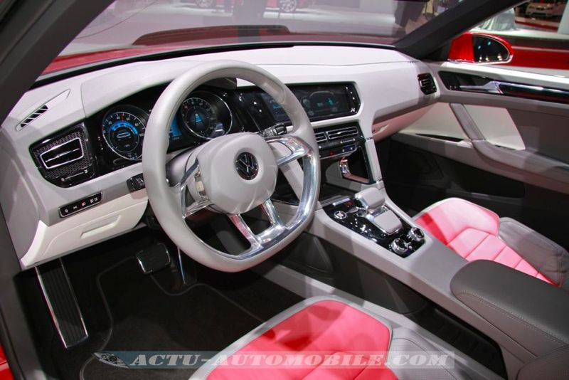 volkswagen cross coup concept tdi plug in hybrid inside actu automobile. Black Bedroom Furniture Sets. Home Design Ideas