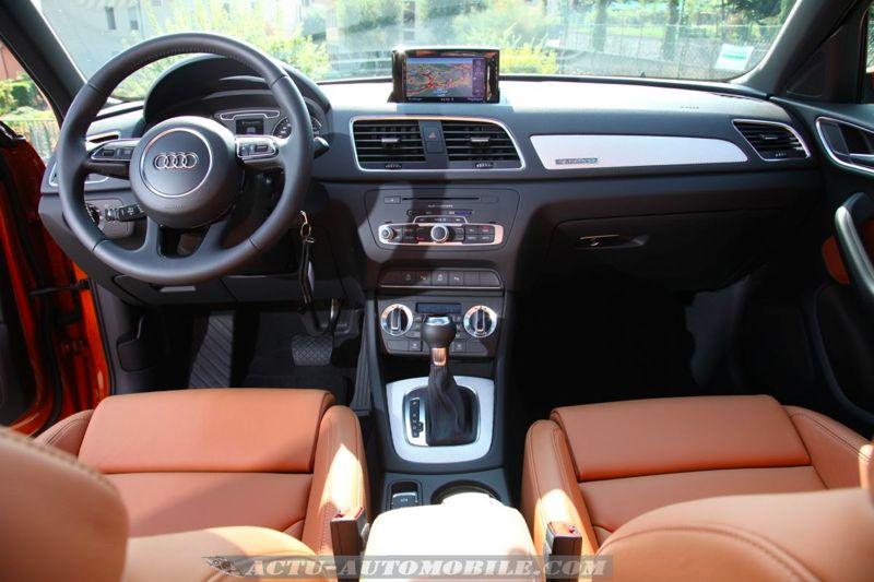 Essai audi q3 2 0 tdi 177 s tronic quattro actu automobile for Interieur q3 s line