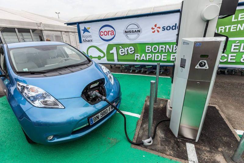 Alsace : Première borne de rechargement en grande surface avec Nissan