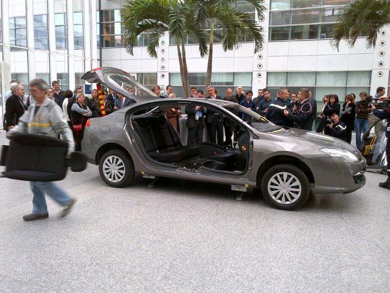 Une Renault Laguna démontable pour les pompiers