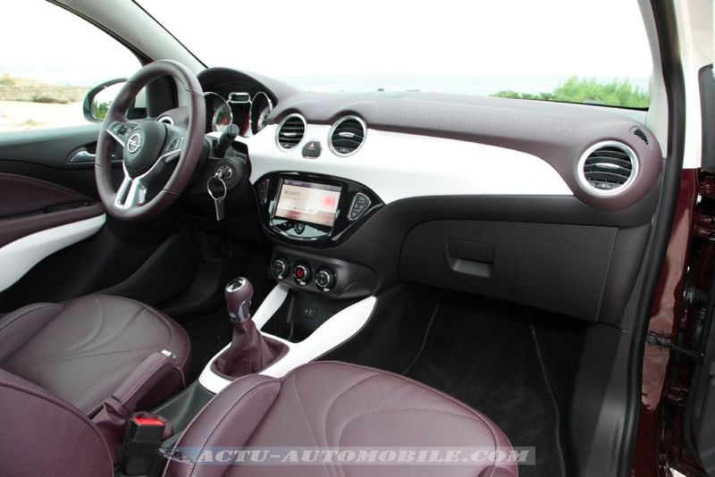 Opel corsa e 2014 topic officiel page 21 corsa for Opel adam s interieur