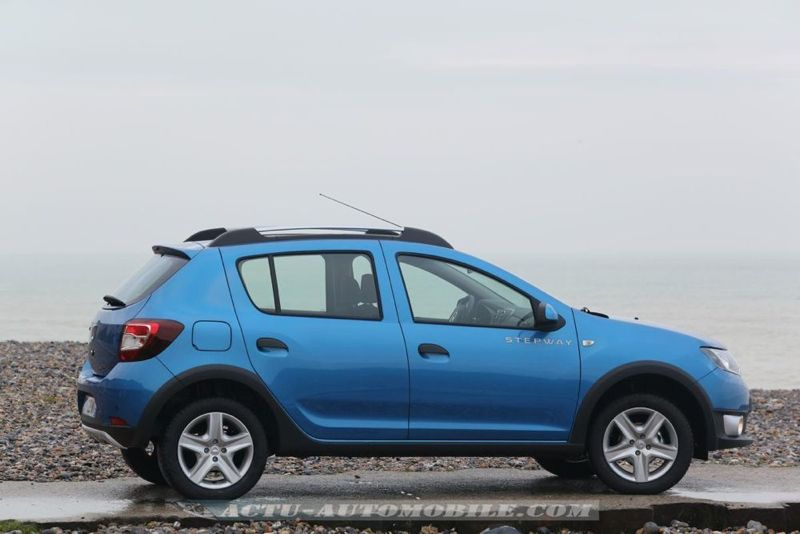 Dacia_Sandero_Stepway_01_mini