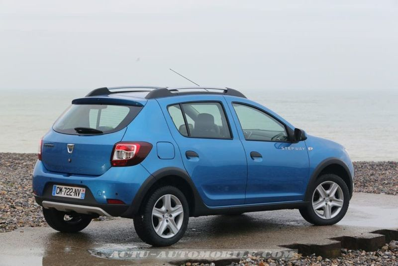 Dacia_Sandero_Stepway_03_mini