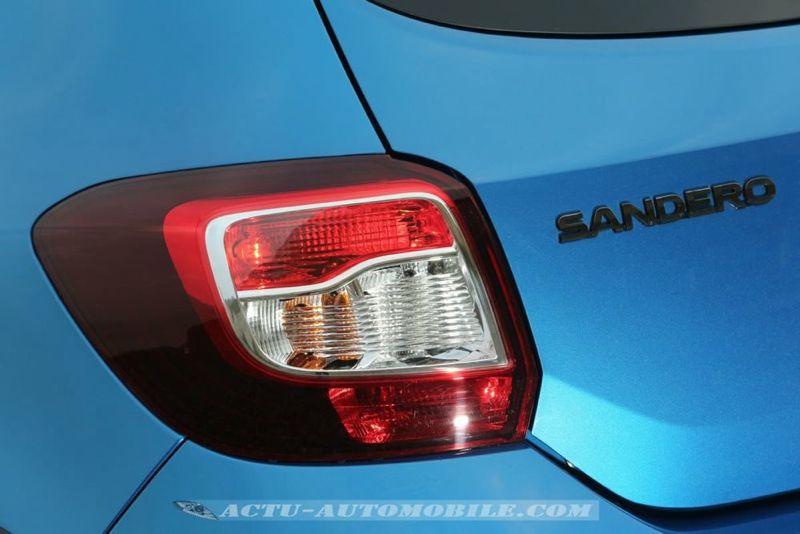 Dacia_Sandero_Stepway_04_mini