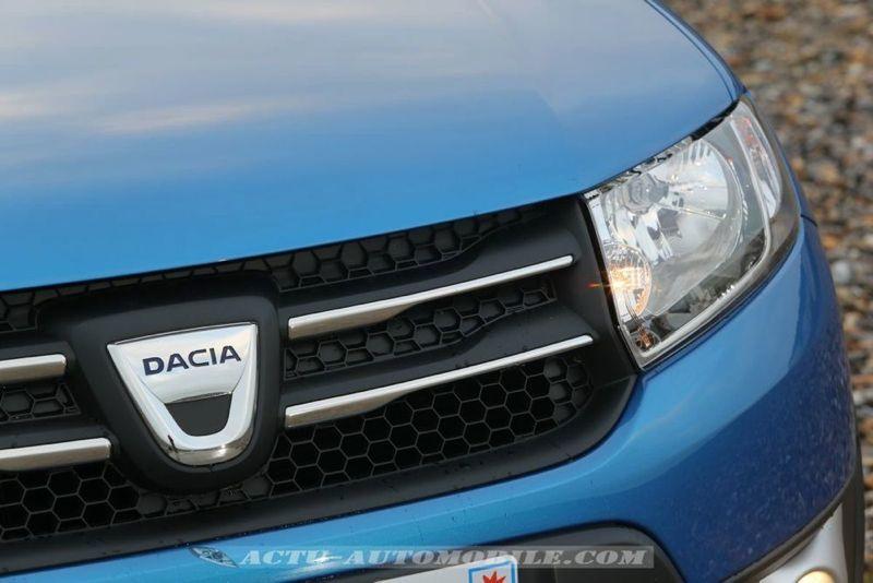 Dacia_Sandero_Stepway_07_mini