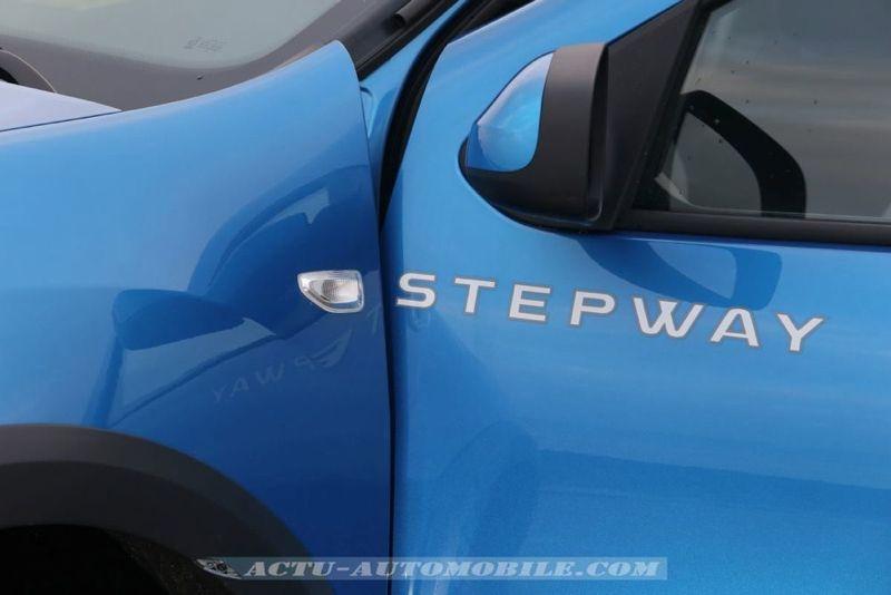 Dacia_Sandero_Stepway_09_mini