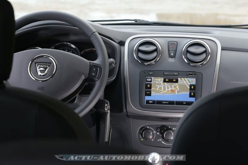 Dacia_Sandero_Stepway_16_mini