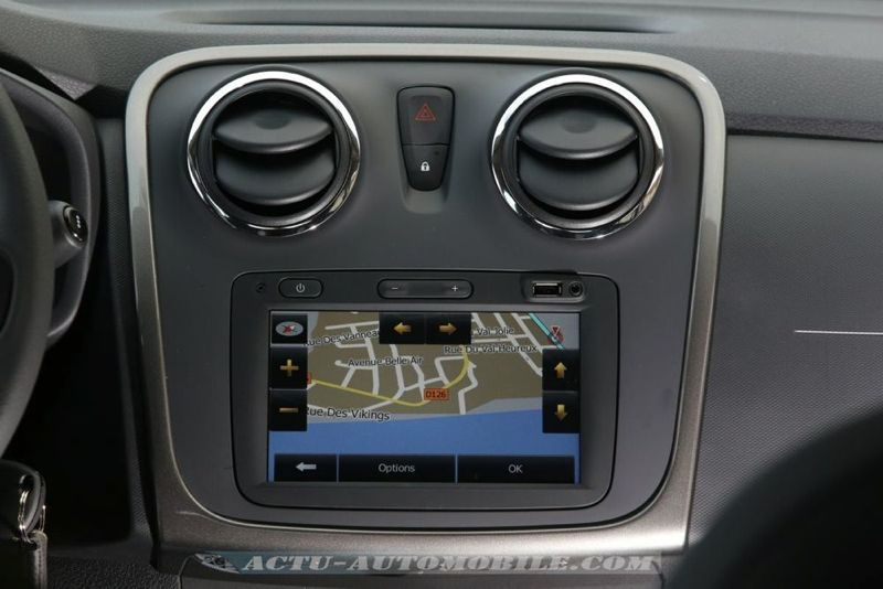 Dacia_Sandero_Stepway_17_mini