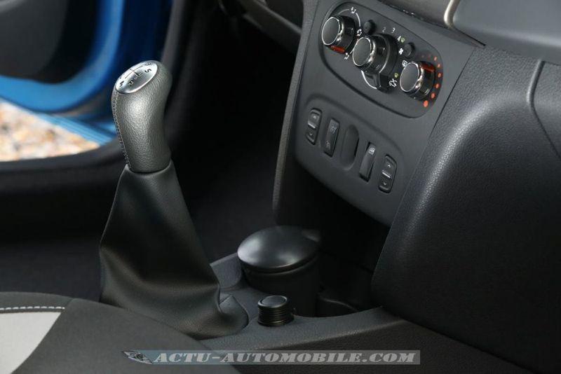 Dacia_Sandero_Stepway_18_mini