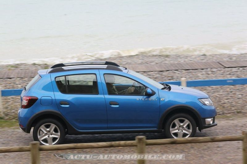 Dacia_Sandero_Stepway_30_mini