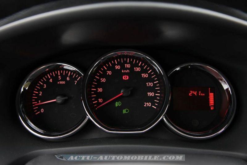 Dacia_Sandero_Stepway_42_mini