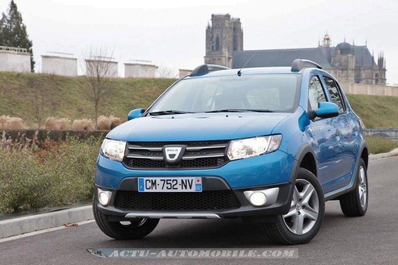 dacia sandero avis dacia sandero stepway 2013 4x4 autos post the motoring world sce 75 engine. Black Bedroom Furniture Sets. Home Design Ideas
