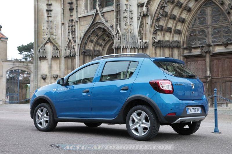 Dacia_Sandero_Stepway_49_mini