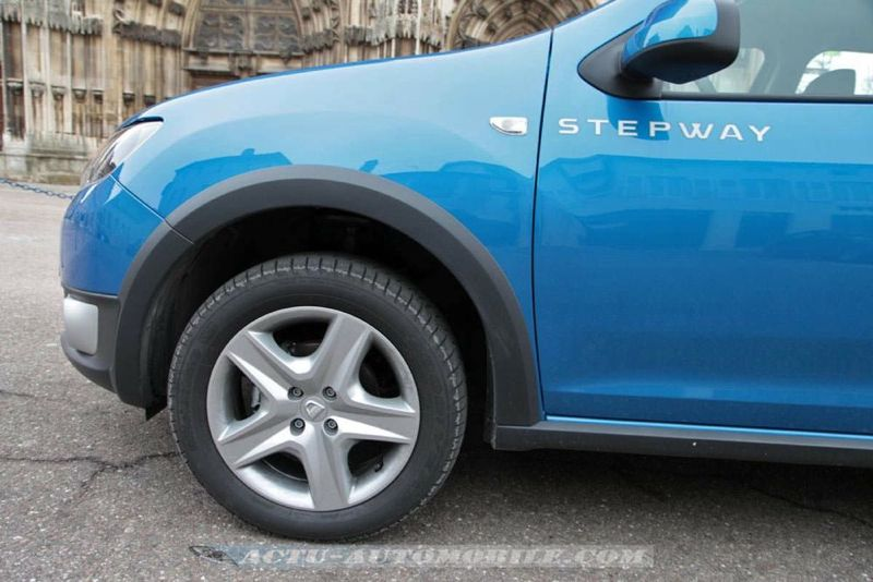 Dacia_Sandero_Stepway_51_mini