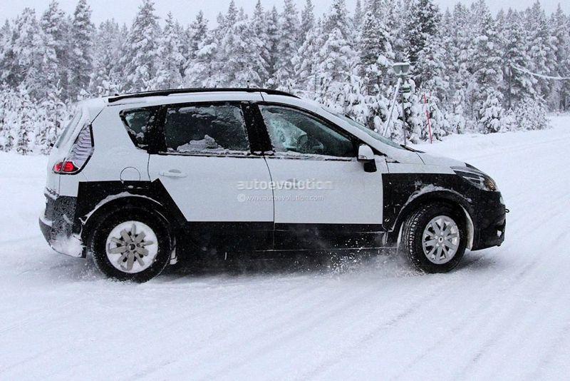 Renault Scénic : le retour du RX4 ?