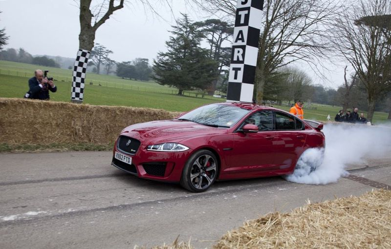 La Jaguar XFR-S en action à Goodwood