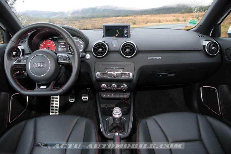 Audi A1 Quattro planche de bord