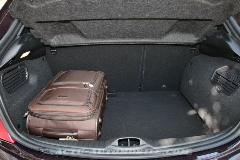 Peugeot 208 XY THP 155