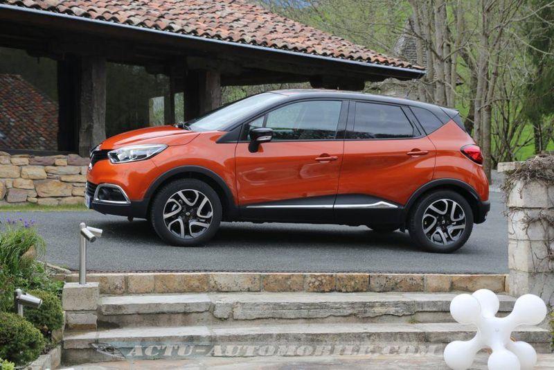 Renault_Captur_02_mini