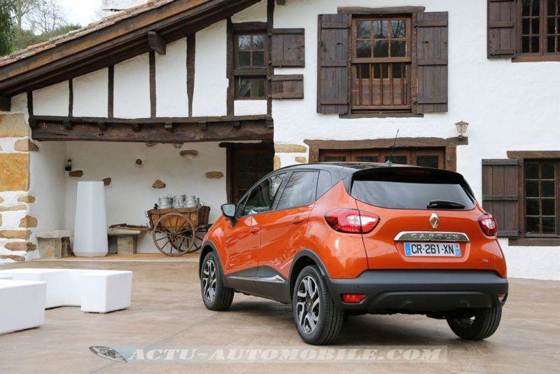 Renault_Captur_03_mini