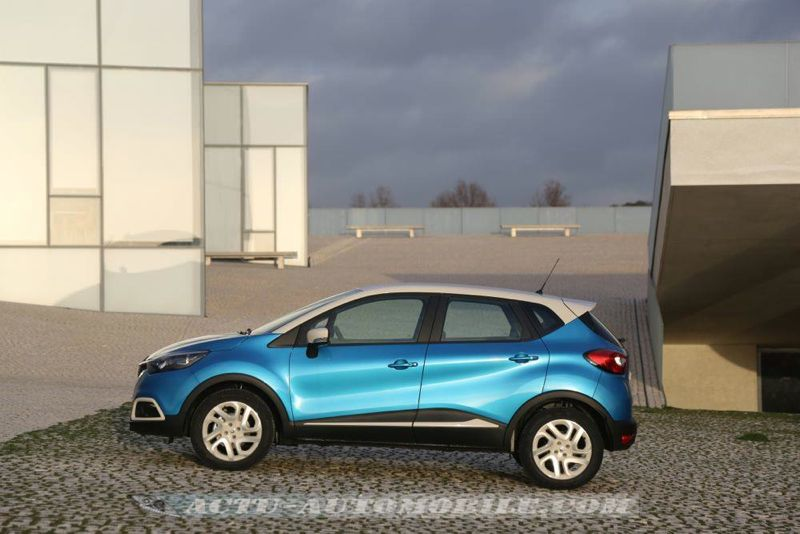 Renault_Captur_08_mini