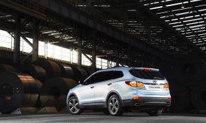 2013-Hyundai-Grand-Santa-Fe