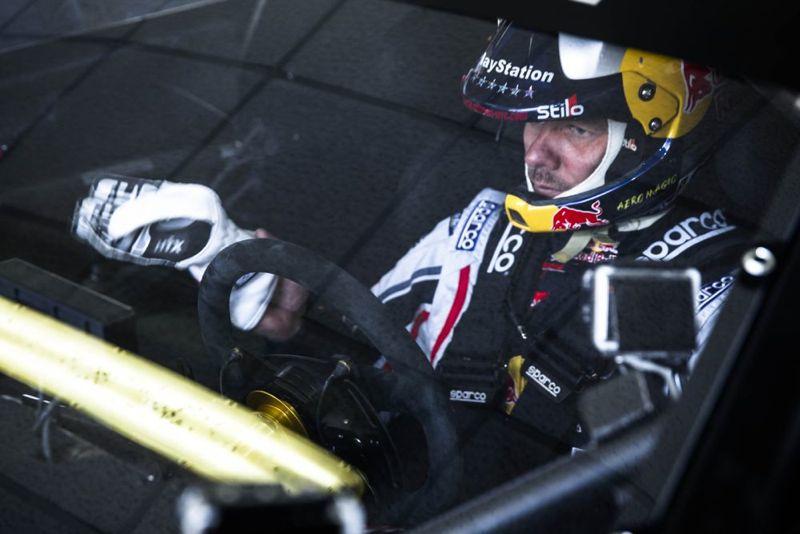 Sébastien Loeb et la Peugeot 208 T16