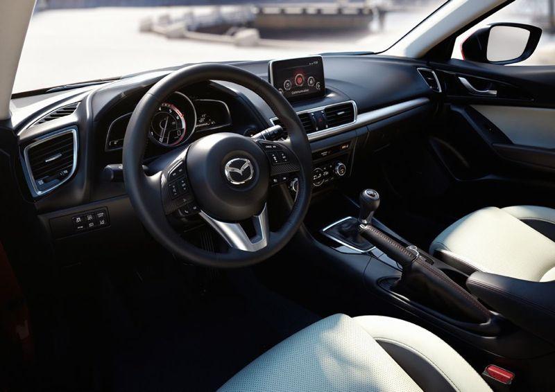 Nouvelle Mazda 3 : la planche de bord
