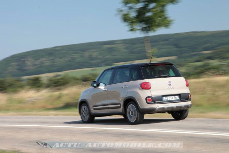 essai fiat 500l trekking en combinaison de baroudeur actu automobile. Black Bedroom Furniture Sets. Home Design Ideas