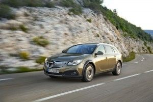 Opel-Insignia-Country-Tourer-1