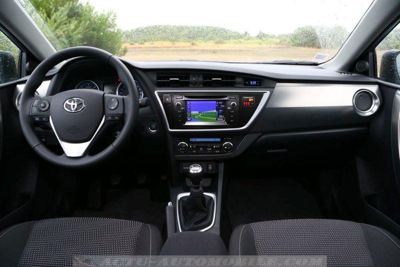Planche de bord Toyota Auris Touring Sports D4-D Dynamic