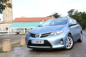 Toyota-Auris-Touring-Sports-41_mini