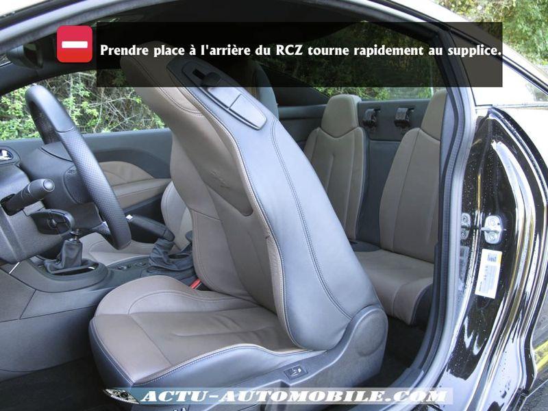 Accès Rang 2 Peugeot RCZ
