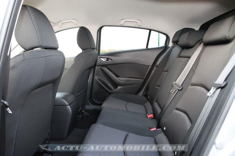 Places arrière nouvelle Mazda 3